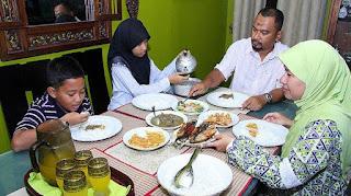 sahur bulan ramadhan