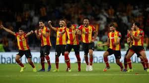 """""""الفار"""" يتسبب بإيقاف مباراة نهائي أبطال أفريقيا"""