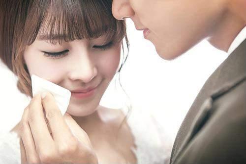 Đàn ông rồi sẽ biết khóc khi đàn bà không còn rơi nước mắt - Ảnh 1
