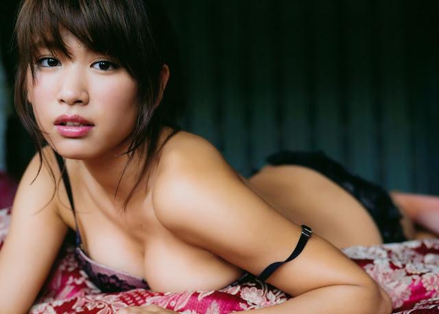 Hisamatsu Ikumi 久松郁実 La iku Photobook 21