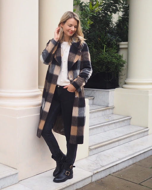 Next check coat, statement coat, jimmy Choo boots, biker boots, street style London, deutscher blogger, German blogger, London fashion