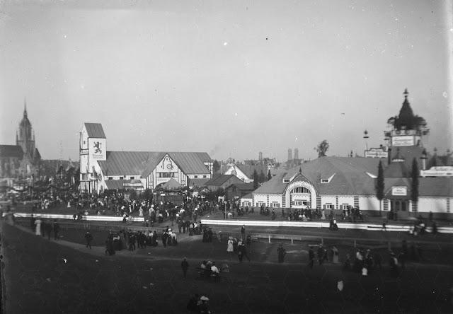 historische Aufnahme vom Oktoberfest in München - um 1910