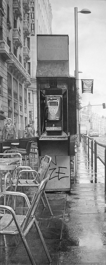 14-Urban-Look-Fausto-Martin-Realistic-Black-and-White-Pencil-Drawings-www-designstack-co