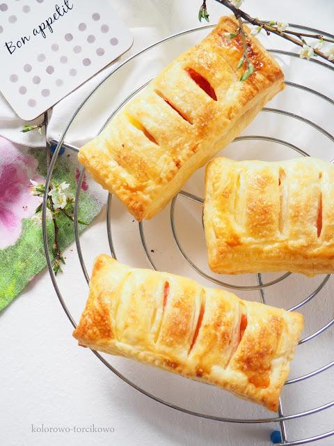 nadziewane-ciasto-francuskie-na-słodko
