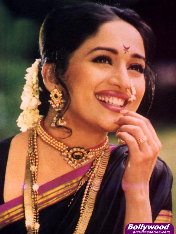 Images Of Indian Actress Madhuri Dixit Boobs Hot In Saree -3417