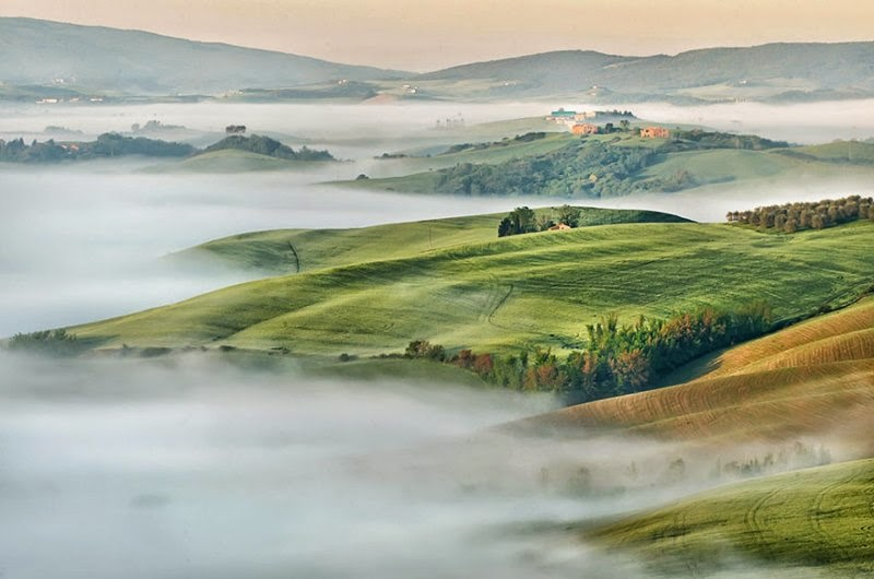 foggy-scenery-photo-02
