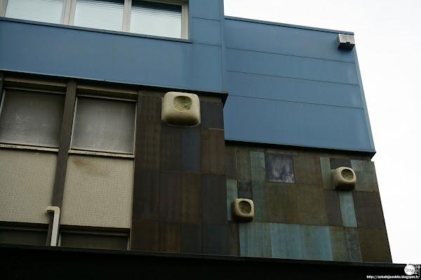 Clermont-Ferrand - Résidence  Architecte: Valentin Vigneron  Décorateur: Jean Mosnier  Entrepreneur: J. Riffard  Céramiques: Les 2 Potiers (Michel et Jacques Serre)  Construction: 1966 - 1970