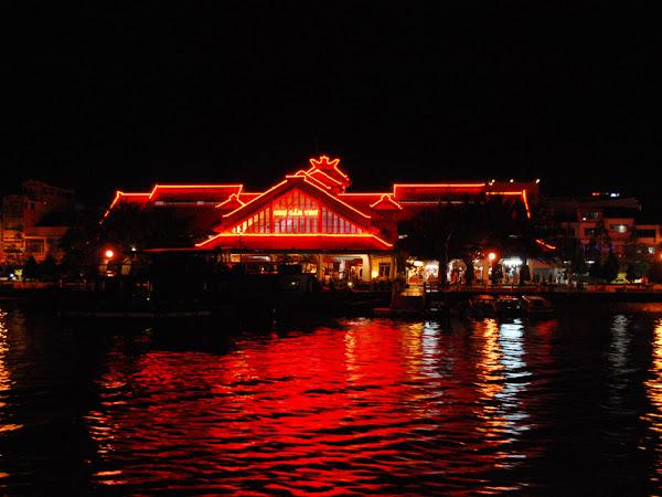 El Mercado de Can Tho de noche - Vietnam