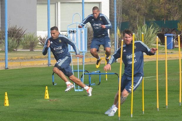 seleccion argentina de futbol - entrenamiento en ezeiza - 2016