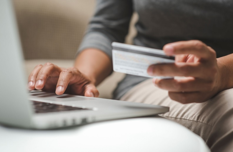 How to Secure Yourself from Scamming While Online Buying