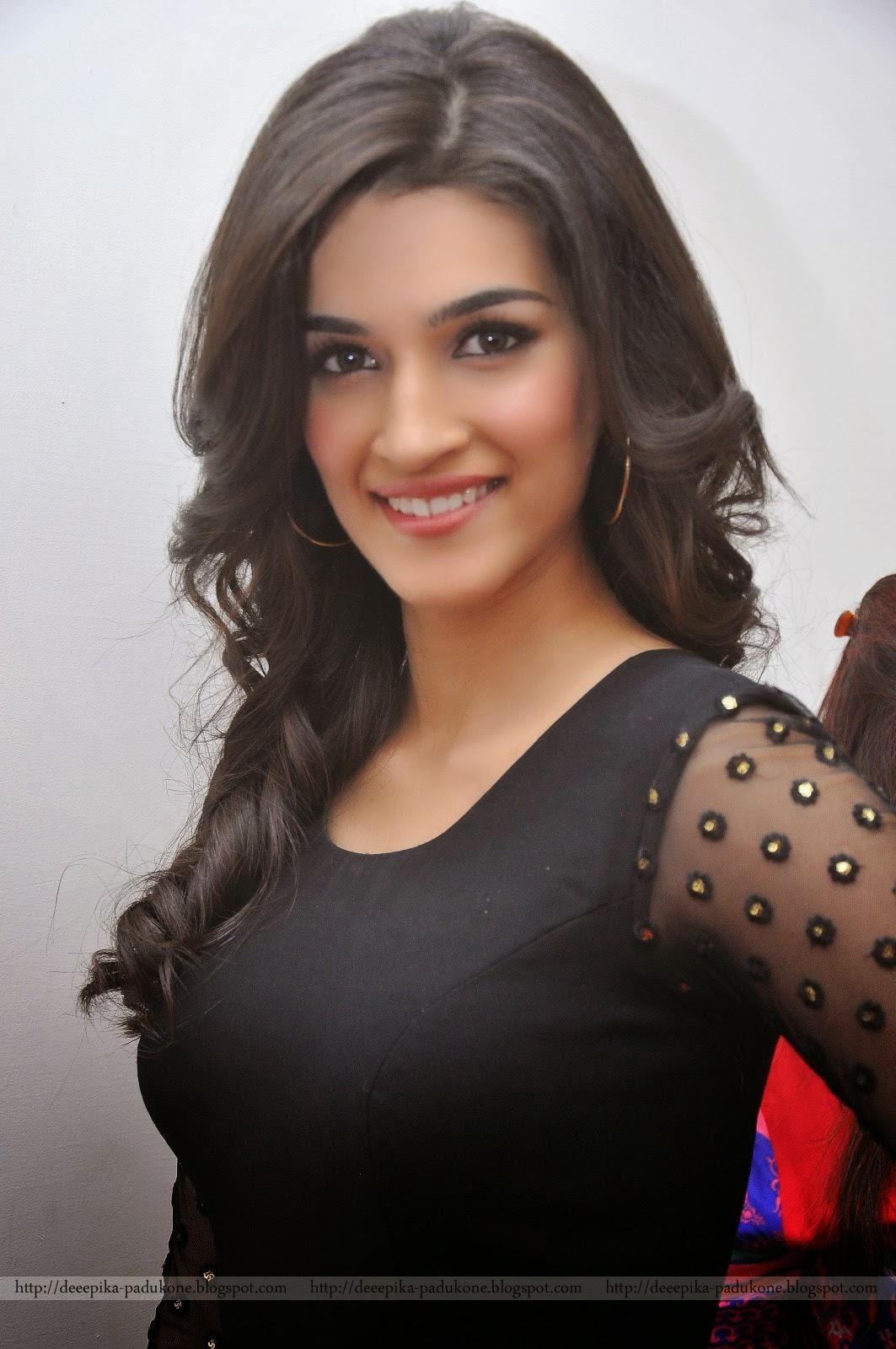 Deepika Padukone Kriti Sanon Black Dress Photos
