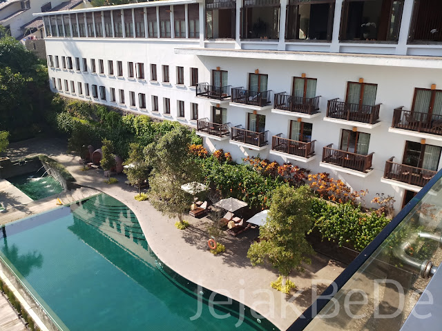 Pemandangan dari arah restoran Hotel Padma
