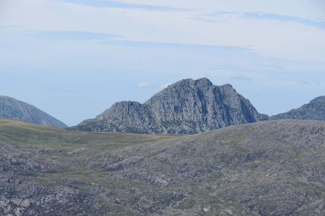 A close up of Tryfan's distinctive, knobbled summit.