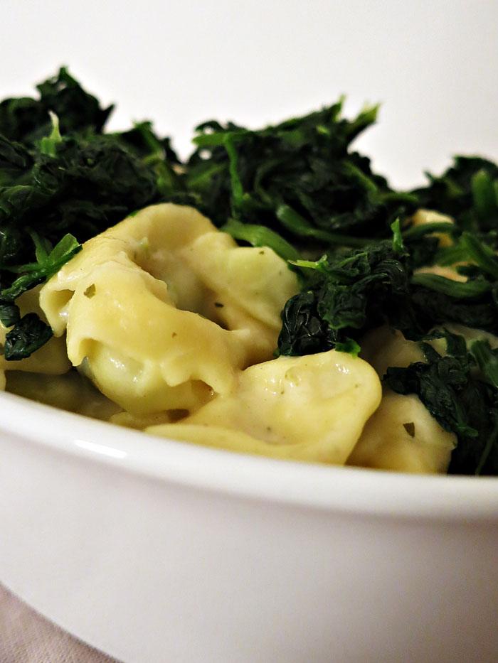 Überbackene Tortelloni mit Spinat