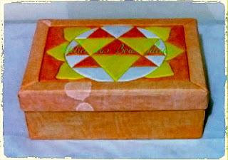 caixa de sapato revestida