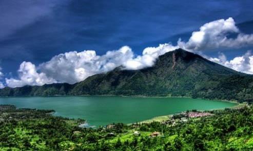 Danau Batur dari Ketinggian