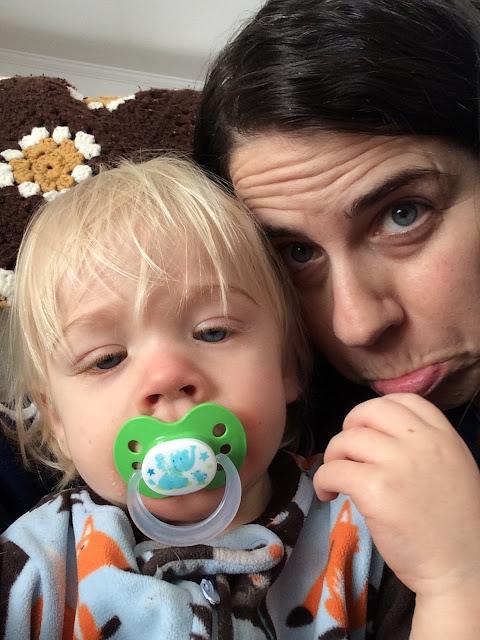 bébé poussée dentaire-fièvre fatigue douleurs