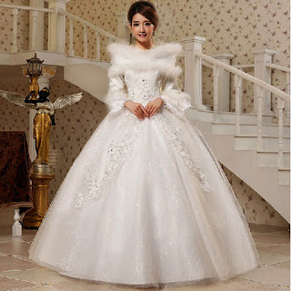 fur-collar-winter-style-layering-wedding-dress-with-ball-gowns