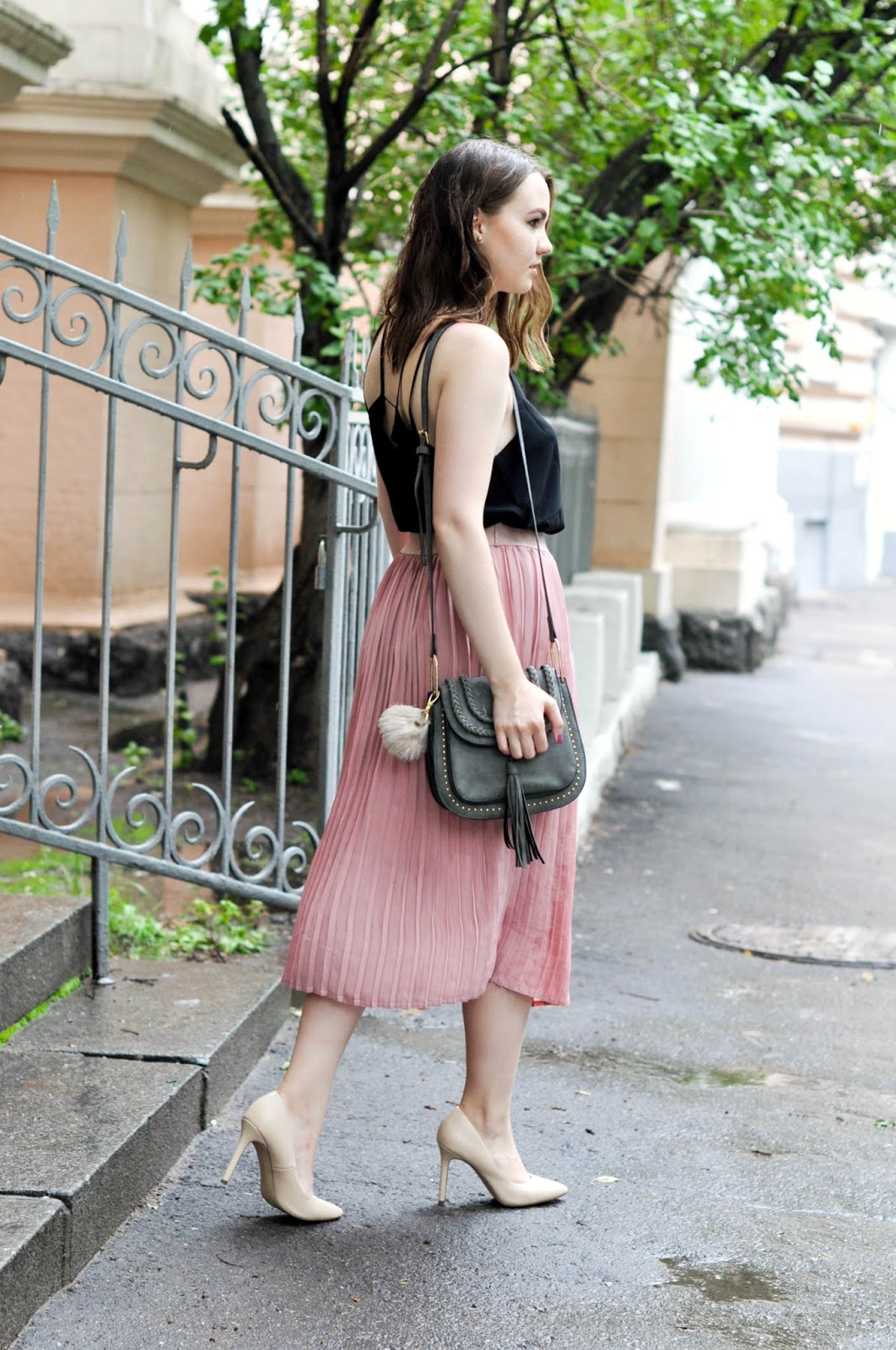 Street Style | Pleated Skirt Look