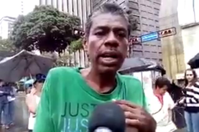 Jorge Mora poblador de Miranda llegó a Caracas para pedir limosna y sumarse a la resistencia civil contra Maduro