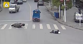 Οδηγοί κυνηγούν και πιάνουν ασυνείδητο που το έσκασε αφού χτύπησε μηχανάκι