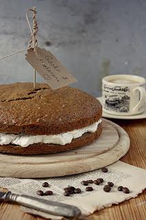 http://www.greencooking.pl/2013/01/ciasto-z-kremem-kasztanowym-i-bita.html