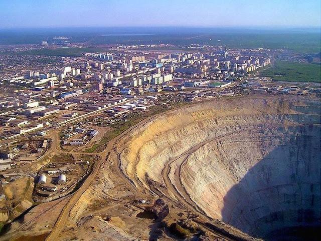 Maior mina de diamantes a céu aberto do mundo