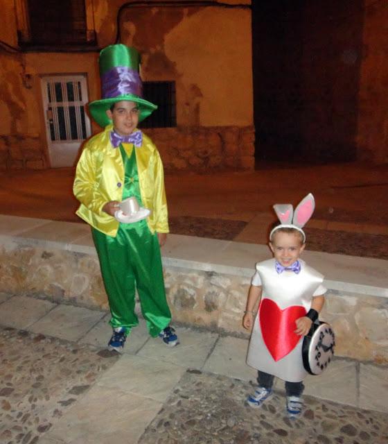Disfraces: Sombrerero loco y conejo blanco