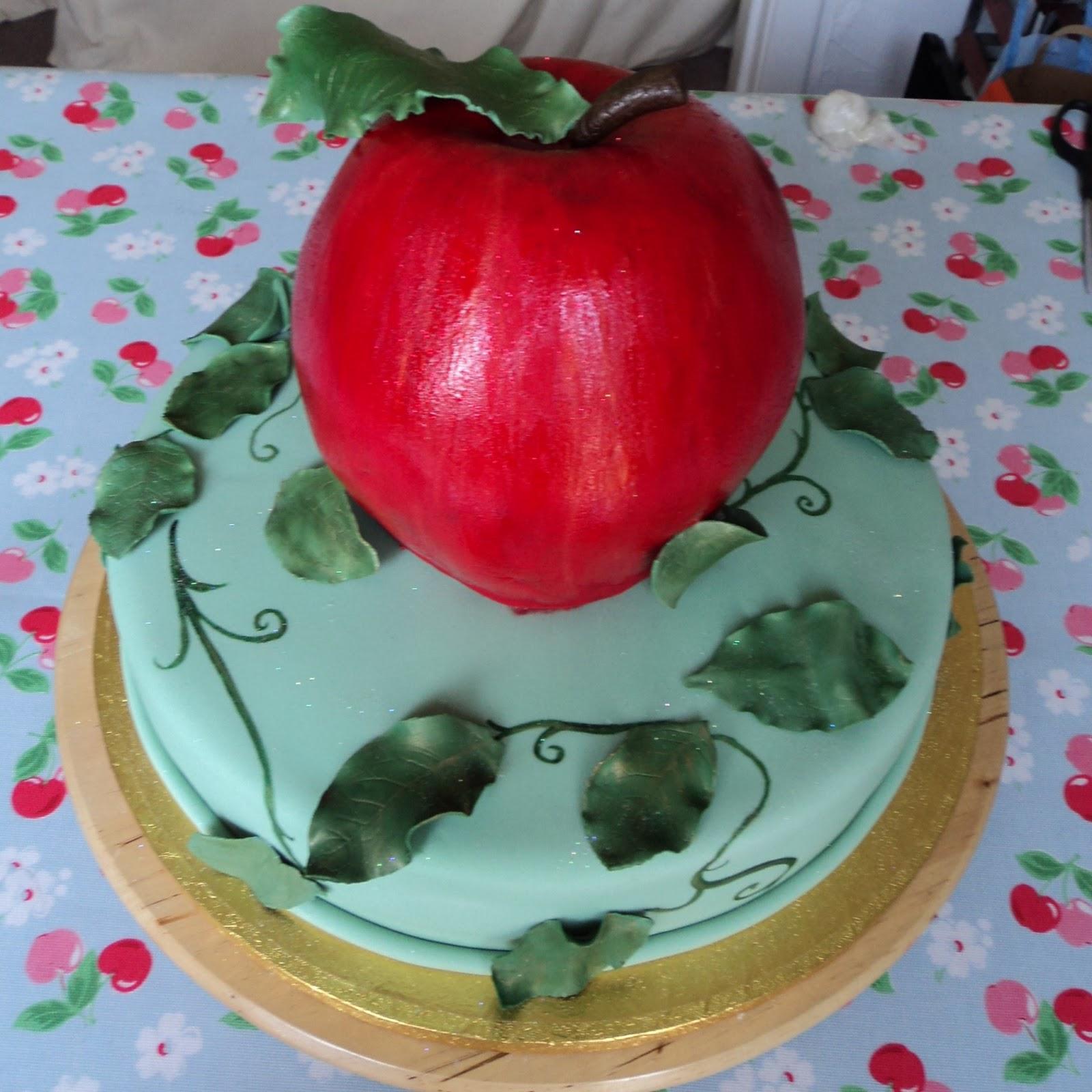Photos Of Delicious Birthday Cake : Kiss Me Cake Bakery: Novelty Wedding Cakes