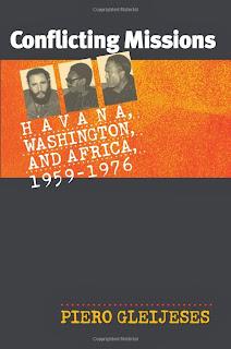 CETTE HISTOIRE DE BALAYAGE DE LA POLITIQUE CUBAINE EN AFRIQUE DE 1959 À 1976 EST BASÉ SUR UNE RECHERCHE SANS PRÉCÉDENT AFRICAINE, CUBAINE, ET LES ARCHIVES AMÉRICAINES. (PARMI LES NOMBREUSES SOURCES DE GLEIJESES SONT DES MATÉRIAUX D'ARCHIVES CUBAINES À LAQUELLE IL EST LE SEUL NON-CUBAINE À AVOIR JAMAIS ACCÈS.) RÉGLAGE DE SON HISTOIRE DANS LE CONTEXTE DE LA POLITIQUE AMÉRICAINE ENVERS L'AFRIQUE ET CUBA PENDANT LA GUERRE FROIDE, GLEIJESES CONTESTE LA NOTION QUE LA POLITIQUE CUBAINE EN AFRIQUE A ÉTÉ DIRIGÉ PAR L'UNION SOVIÉTIQUE.