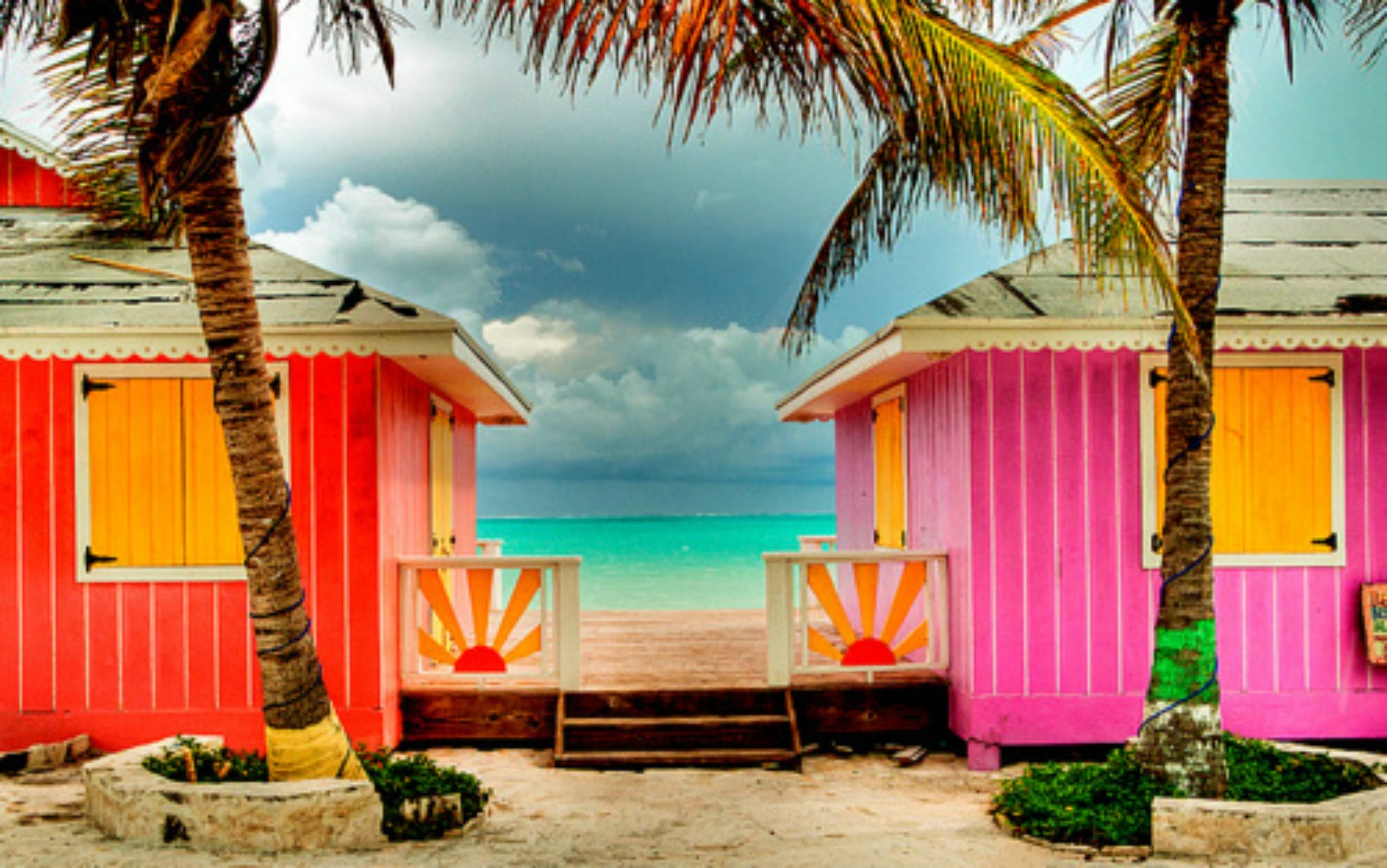 Tropical Island Beach House: TVI WITH PETER JARRETTE: HOT PINK TROPICAL HOMES & HOUSES