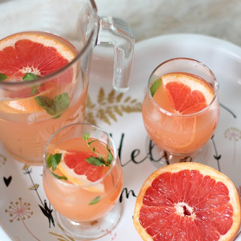 Lemoniada grejpfrutowa- idealna na upały!