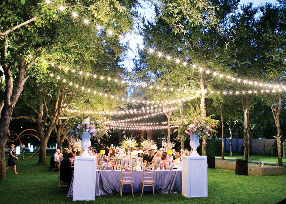 50 Dekorasi Pernikahan Outdoor Minimalis Simpel dan