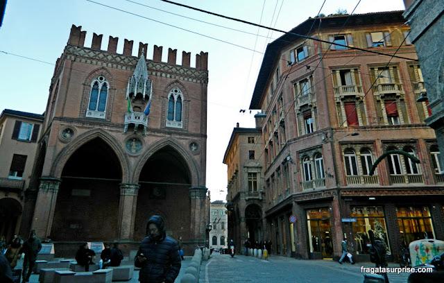 Palazzo della Mercanzia, Bolonha, Itália