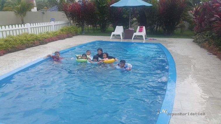 Geng halia ke AFamosa private villa : housemate gathering