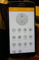 Du kan välja på diverse saker att visa på din skärm till klocka.