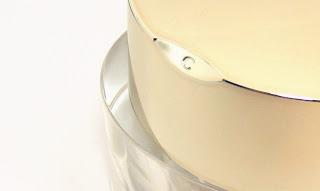 Clarins • Multi-Eclat Puder 01 light