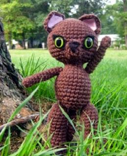 http://es.scribd.com/doc/48752833/Traveling-Kitten