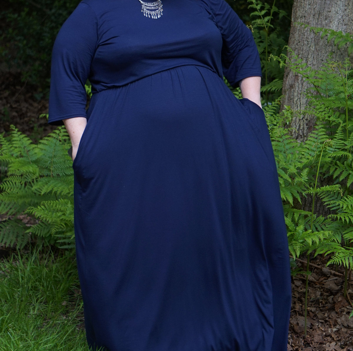 Yours-Clothing-Navy-Plus-Size-Jersey-Maxi-Dress-With-Ruched-Waist-and-Pockets // www.xloveleahx.co.uk