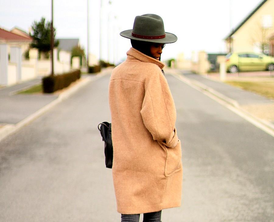 fedora-manteau-camel-look-d-hiver