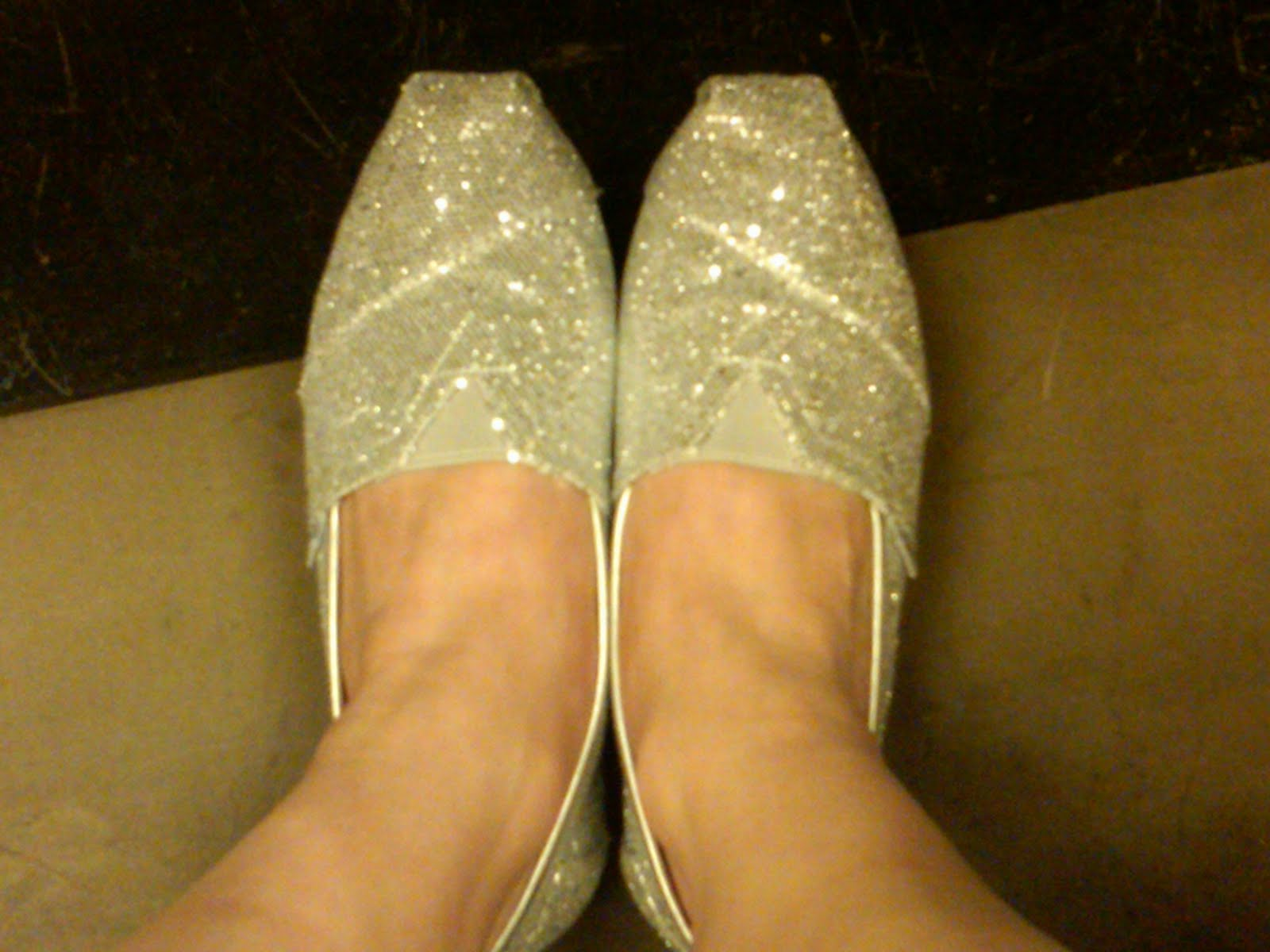 a5d7b5d9625 The Beauty of Life  Sparkle On  TOMS Silver Women s Glitters
