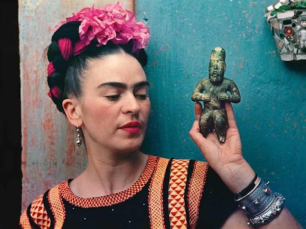 Frida Kahlo Making Her Self Up at the V & A