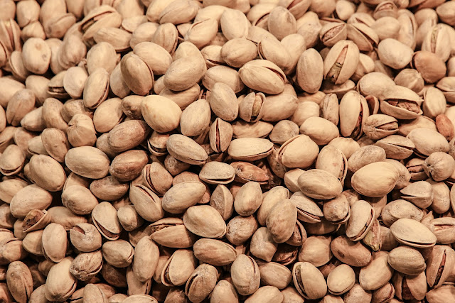 almond, pecan, peanuts, weight loss