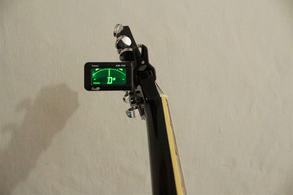 Cara Mudah Menyetem Gitar Dengan Tuner