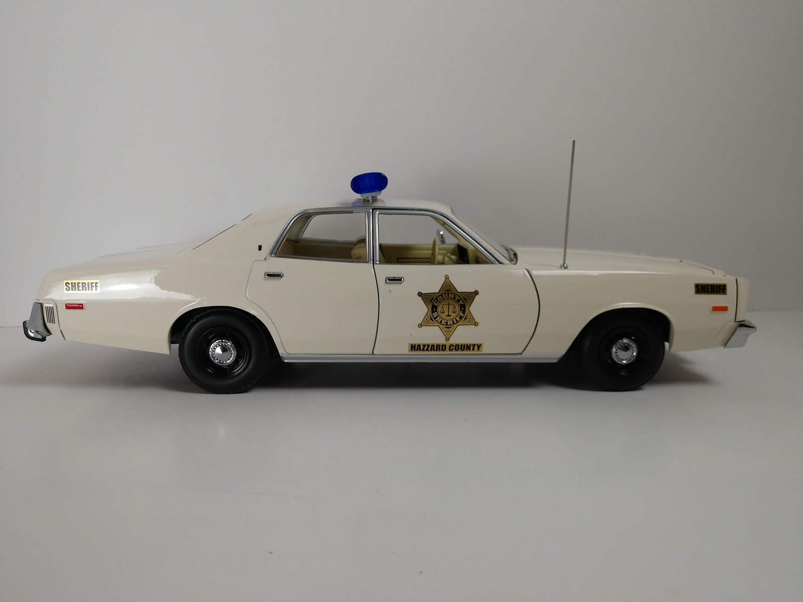 Greenlight 19055 scala 1//18 plymouth fury hazzard police rosco patrol car 1977