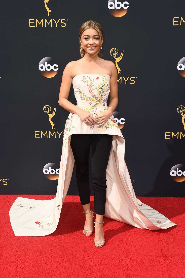 Sarah Hyland is a fashion fail at the 2016 Emmy Awards