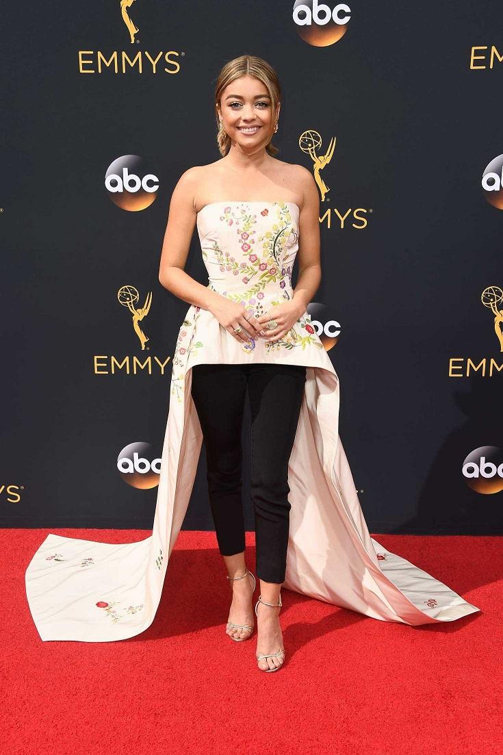 Sarah Hyland is a fashion fail at the 2016 Emmy Awards