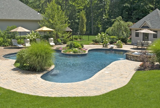Home decoration idea: Backyard with pool ideas on Big Backyard Landscaping Ideas id=82974