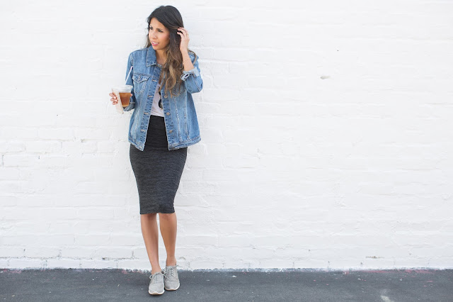 how to wear denim jacket, casual weekend outfit, venice california, tennis shoes with skirts