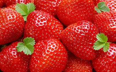 beautiful-strawberries-widescreen-images